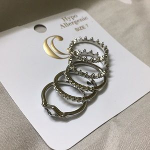 NEW 5 silver rings!